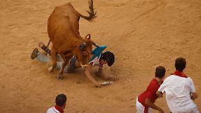 """""""Sanfermines""""-Fest in Pamplona: Elf Menschen werden bei erster Stierhatz teils schwer verletzt"""