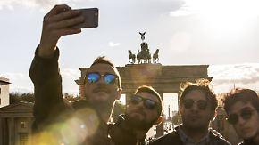 EU-Parlament für Panoramafreiheit: Selfies mit Gebäuden sind weiterhin erlaubt