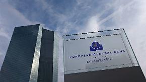 Welche Rolle spielt die EZB?: Aufnahme Griechenlands in den Euro von Beginn an umstritten