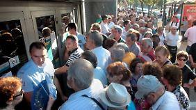 Mehrwertsteuererhöhung kommt: Griechenlands Banken öffnen dank EZB-Hilfen