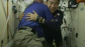 Neue Experimente im Gepäck: Drei Astronauten erreichen verspätet die ISS