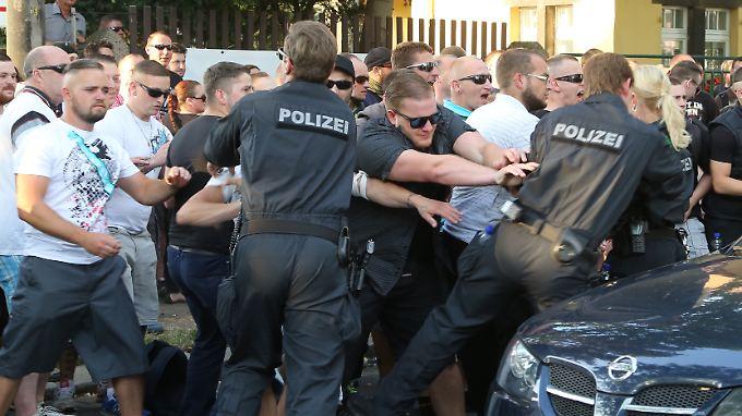 Ausschreitungen bei NPD-Demo: Dresden macht sich stark für Flüchtlinge