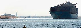 Wasserweg zwischen Europa und Asien: Erste Schiffe passieren neuen Suezkanal