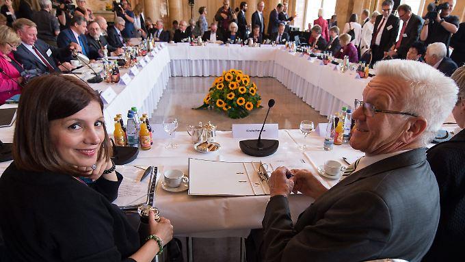 Die baden-württembergische Integrationsministerin Bilkay Öney (SPD) und Ministerpräsident Winfried Kretschmann (Bündnis 90/Die Grünen) luden zum Gipfel.