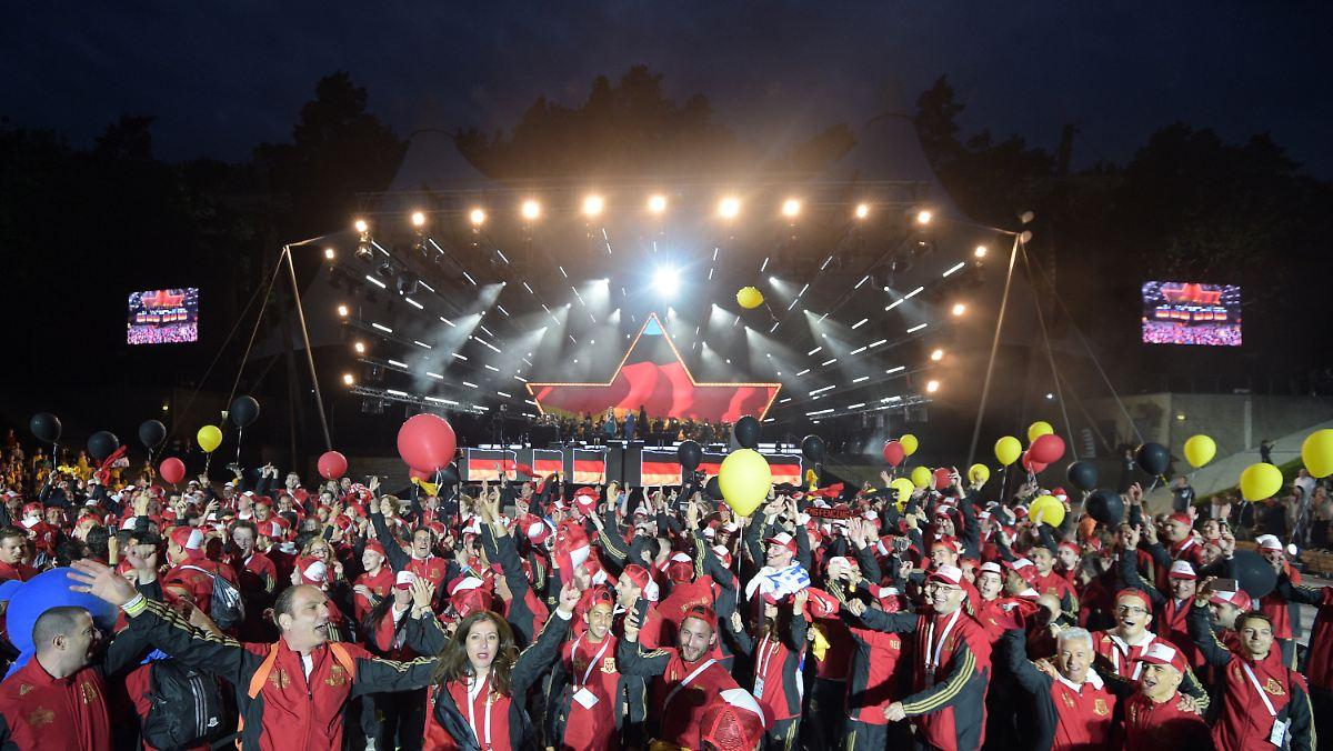 2300 athleten zu gast in berlin j dische sportler feiern. Black Bedroom Furniture Sets. Home Design Ideas