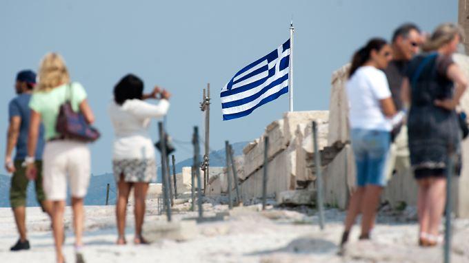 Die größte Last der griechischen Hilfspakete wird von Deutschland getragen. Im Fall eines Grexit würde Athen deutsche Unternehmen wegen Korruption an den Pranger stellen.
