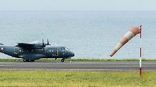 Mit einem Flugzeug mit großer Reichweise soll Ausschau nach weiteren Wrackteilen gehalten werden.