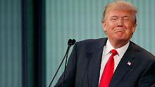 Im neuesten Trump-Skandal führt der Präsidentschaftsanwärter die harten Fragen einer Moderatorin auf deren Periode zurück.