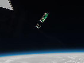 Arkyd-3R kurz nach der Abkopplung von der ISS am 16. Juli 2015.