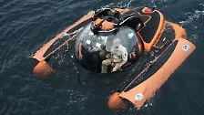 Der Staatschef unternimmt einen Tauchgang mit einem Mini-U-Boot, um ein Schiffswrack vor der Küste der von Russland annektierten Schwarzmeer-Halbinsel zu inspizieren.