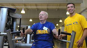 Einige Fitness-Center haben sich auf die Betreuung von Senioren spezialisiert.
