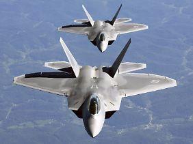 Der US-Luftüberlegenheitsjäger F-22 soll für gegnerisches Radar besonders schwer zu erkennen sein,