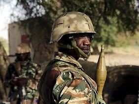 Grenzschutz in Niger: Polizei und Militär gehen laut Menschenrechtsorganisation mitunter brutal mit Flüchtlingen um.