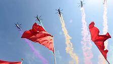 Riesenspektakel in Peking: Mit 70 Schuss Salut und einer Flaggenzeremonie beginnen in der chinesischen Hauptstadt die Feiern zum 70. Jahrestag des Kriegsendes in Asien.