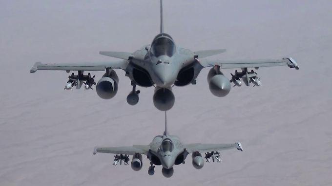 Französische Rafale-Jets über dem Irak.