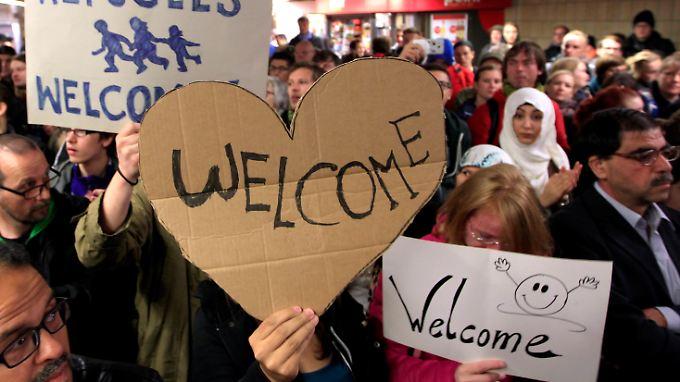 Empfang für ankommende Flüchtlinge in Dortmund.