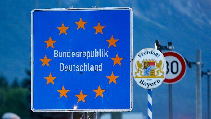 Keine freie Fahrt mehr gibt es ab sofort zwischen Deutschland und Österreich.