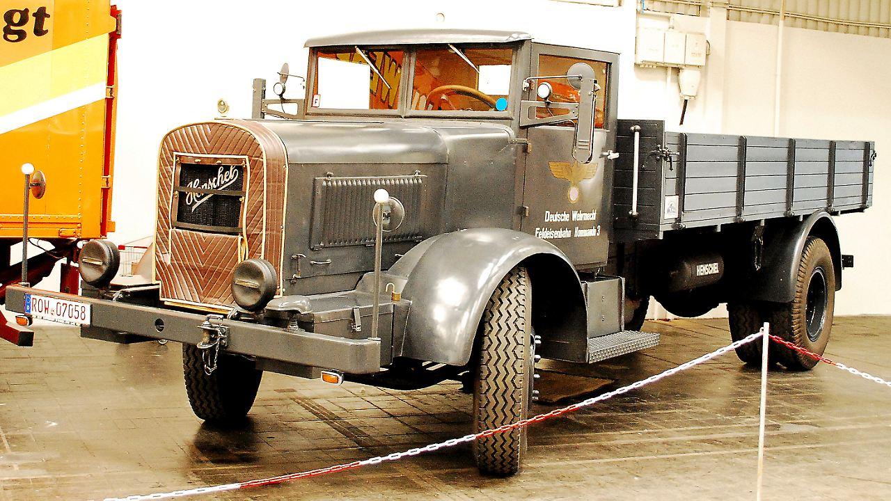 Historische Nutzfahrzeuge Was Uns Frher Bewegte 19601970 Mercedes Benz Trucks