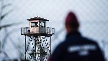 Stacheldraht, Kameras, Soldaten: Ungarn schließt seinen Grenzzaun