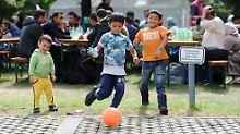 Auswirkungen der Flüchtlingskrise: Zehntausende Kinder brauchen Kita-Plätze