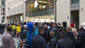 Campen und Warten fürs iPhone 6s: Apple-Jüngerinnen lassen sich Besonderes einfallen