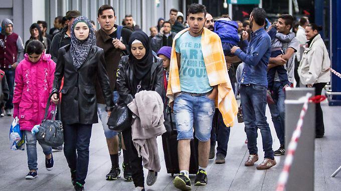 Flüchtlinge am Flughafen in Düsseldorf