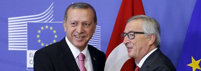 Vorm Gipfeltreffen in Warna: EU will wieder mit Erdogan lächeln