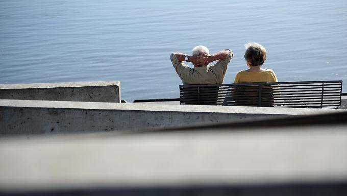 Vier bis fünf Prozent mehr Rente 2016? Einem Zeitungsbericht zufolge ist diese Rentenerhöhung absehbar.
