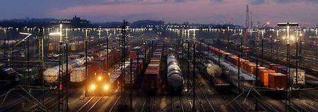 Drastischer Stellenabbau: Bahn-Gewerkschaft fordert den Bund