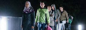 500 bis 700 Migranten überqueren täglich die Brücke zwischen Freilassing und Salzburg.