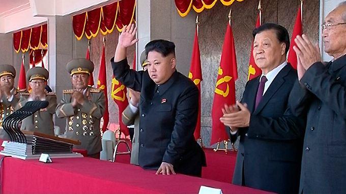 Nordkoreas Staatschef Kim Jong Un setzt seinen außenpolitischen Zickzackkurs fort: Auf Signale der Entspannung folgen erneut Provokationen.