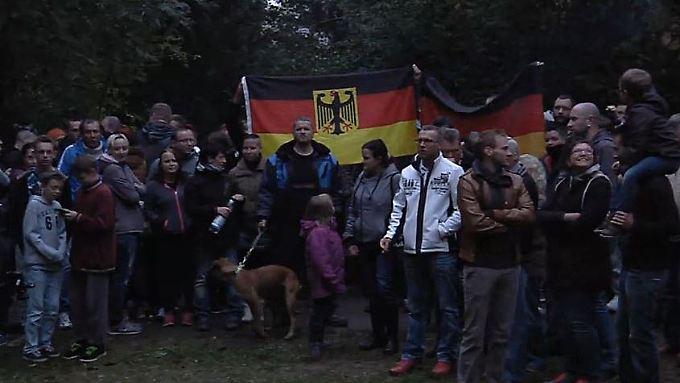 Proteste vor Chemnizer Unterkunft: Rechtsradikale verletzten Flüchtlingsunterstützer