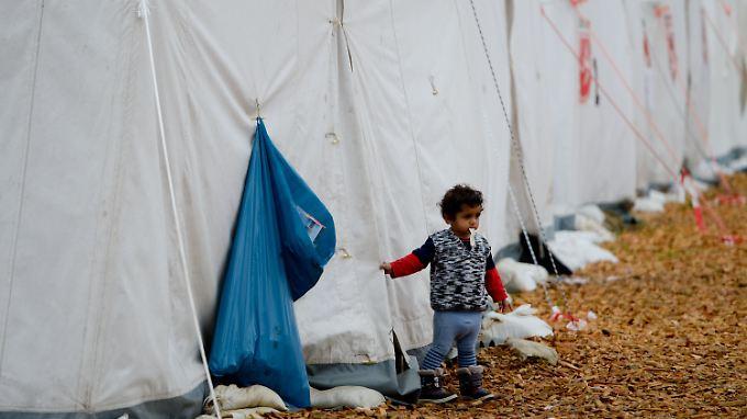 In vielen Städten und Gemeinden dürfte sich die Lage durch die Ankunft weiterer Flüchtlinge noch verschärfen.