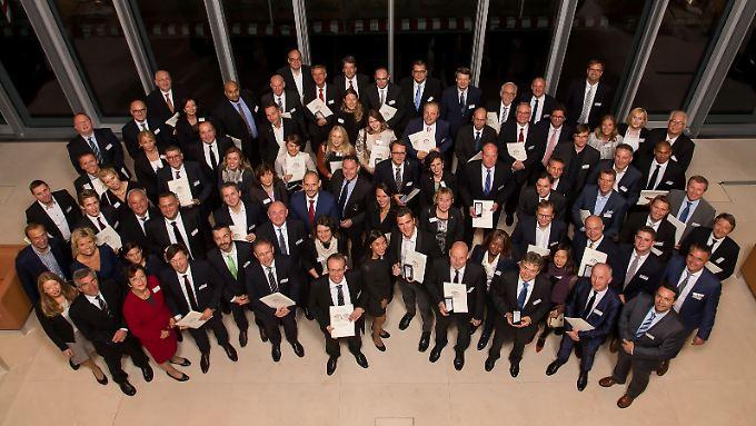 Strahlende Gesichter bei der Preisverleihung in der Berliner Bertelsmann-Repräsentanz