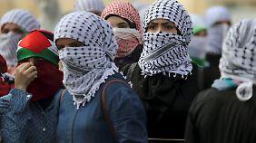Im gesamten Westjordanland und dem Gazastreifen kommt es seit Tagen zu Demonstrationen und Ausschreitungen zwischen Palästinensern und israelischen Sicherheitskräften.