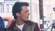 """Das führte zu dem kuriosen Umstand, dass der Darsteller seines Filmvaters in """"Zurück in die Zukunft"""", Crispin Glover (r.), drei Jahre jünger ist als Fox."""