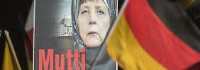 400 Schreiben an Bundesanwaltschaft: Rechte erstatten Anzeige gegen Merkel