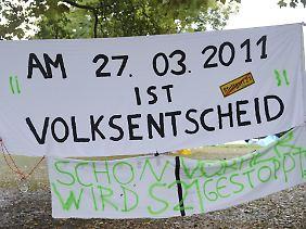 """""""Das hat der Mappus den Salat"""", kommentiert eine Spaziergängerin in Stuttgart."""