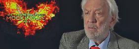 """Donald Sutherland im Interview: """"Tribute von Panem"""" schickt Katniss auf letzte Mission"""