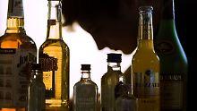 Jahrelang stieg die Zahl der Jugendlichen, die regelmäßig und exzessiv trinken.
