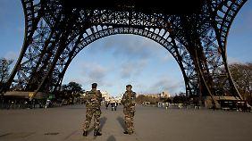 Kampf gegen IS: Beantragt Frankreich den Nato-Bündnisfall?