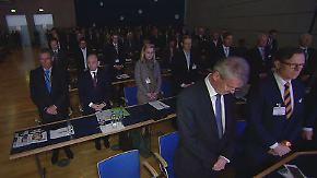 Treffen der Finanzbranche: Teilnehmer der Euro Finance Week trauern mit Paris