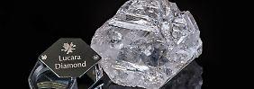 Noch nicht vollständig analysiert, aber sicherlich äußerst teuer: der neu entdeckte 1111 Karat schwere Edelstein.
