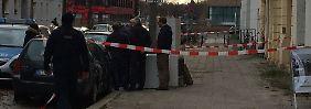 Verbrechen in Berlin: Totes Baby zwischen Autos entdeckt