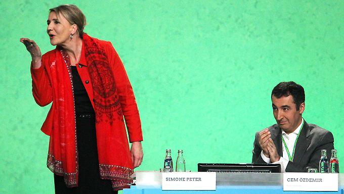"""Starke Worte"", sagt Grünen-Chefin Peter über Kanzlerin Merkel."