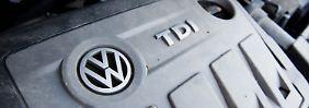 VW Touran mit einem vom Abgas-Skandal betroffenen 2.0l TDI Dieselmotor vom Typ EA189.