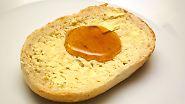 Grenzwerte für PA im Honig gibt es bisher nicht. Das BVL empfiehlt, dass ein 70 Kilogramm schwerer Erwachsener nicht mehr als 20 Gramm Honig am Tag verzehren sollte. Ein 15 Kilogramm schweres Kind dagegen sollte nicht mehr als vier Gramm Honig täglich verspeisen.