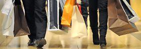 Außenhandel lahmt: Deutsche Wirtschaft wächst durch Shopping