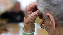 Schleichendes Vergessen: Wie äußern sich Alzheimer und Demenz?
