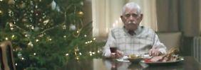 Weihnachten: Fest der Familie: Edeka erinnert in Werbespot an Einsamkeit vieler Menschen